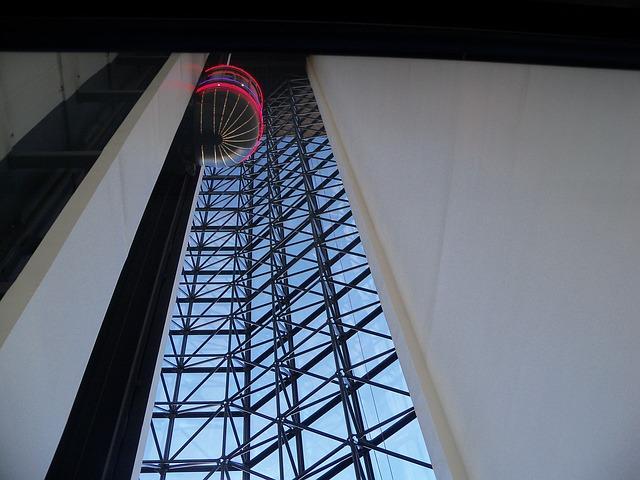 elevator-20802_640